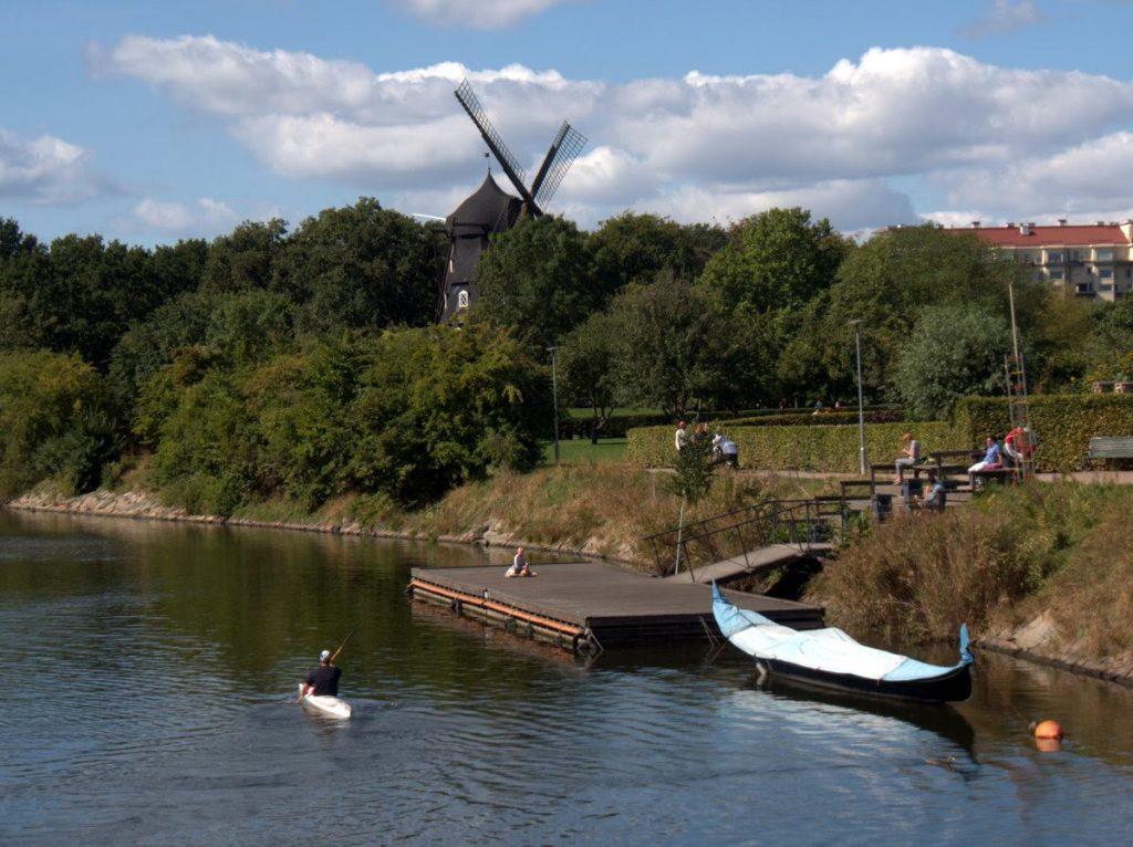 Kungsparken canal