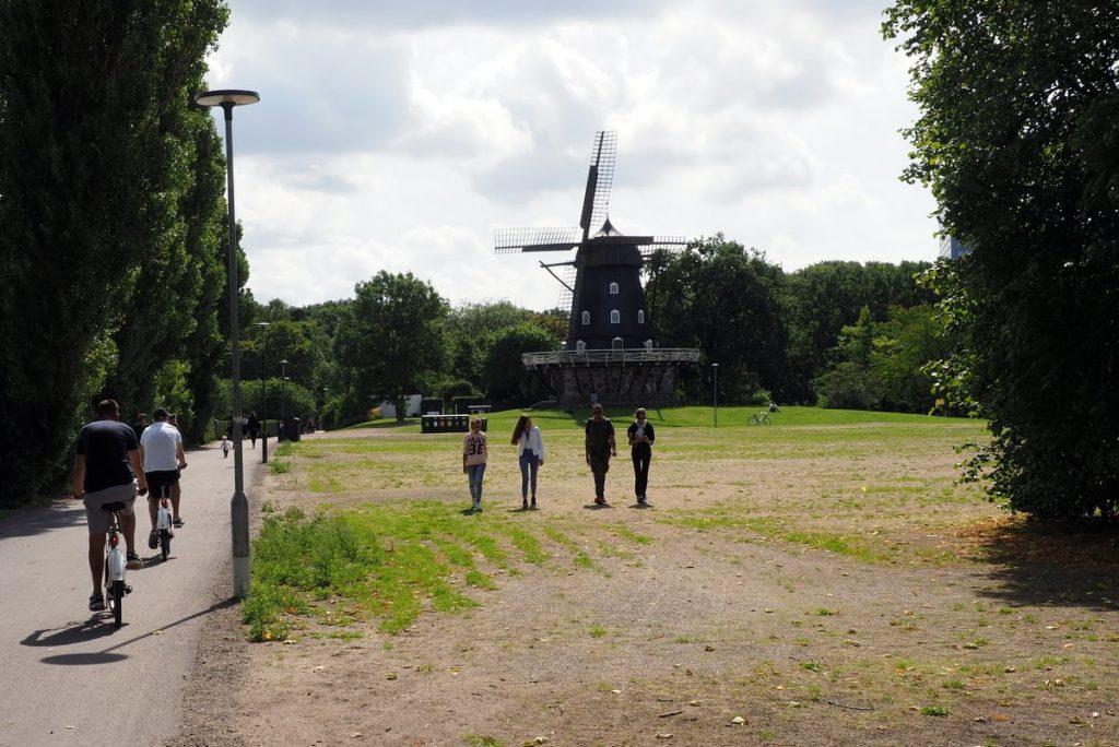 Slottsträdgården windmill walk